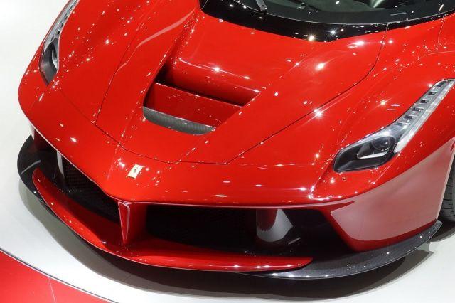 [Resim: alb_65_18_Ferrari-La-Ferrari-16%5B2%5D.jpg]